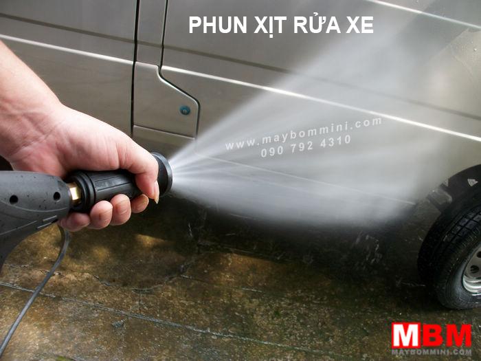 phun-xit-rua-xe-ap-luc-cao