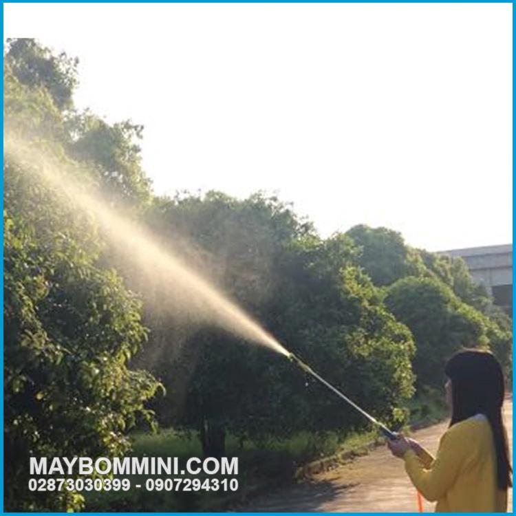 Phun Xit Tuoi Cay Bang May Bom Ap Luc 12v