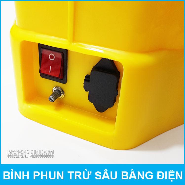 Cong Sac Va Nut Tat Mo Binh Bom Dien Deo Vai QM